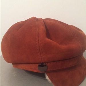Shearling sheepskin newsboy hat